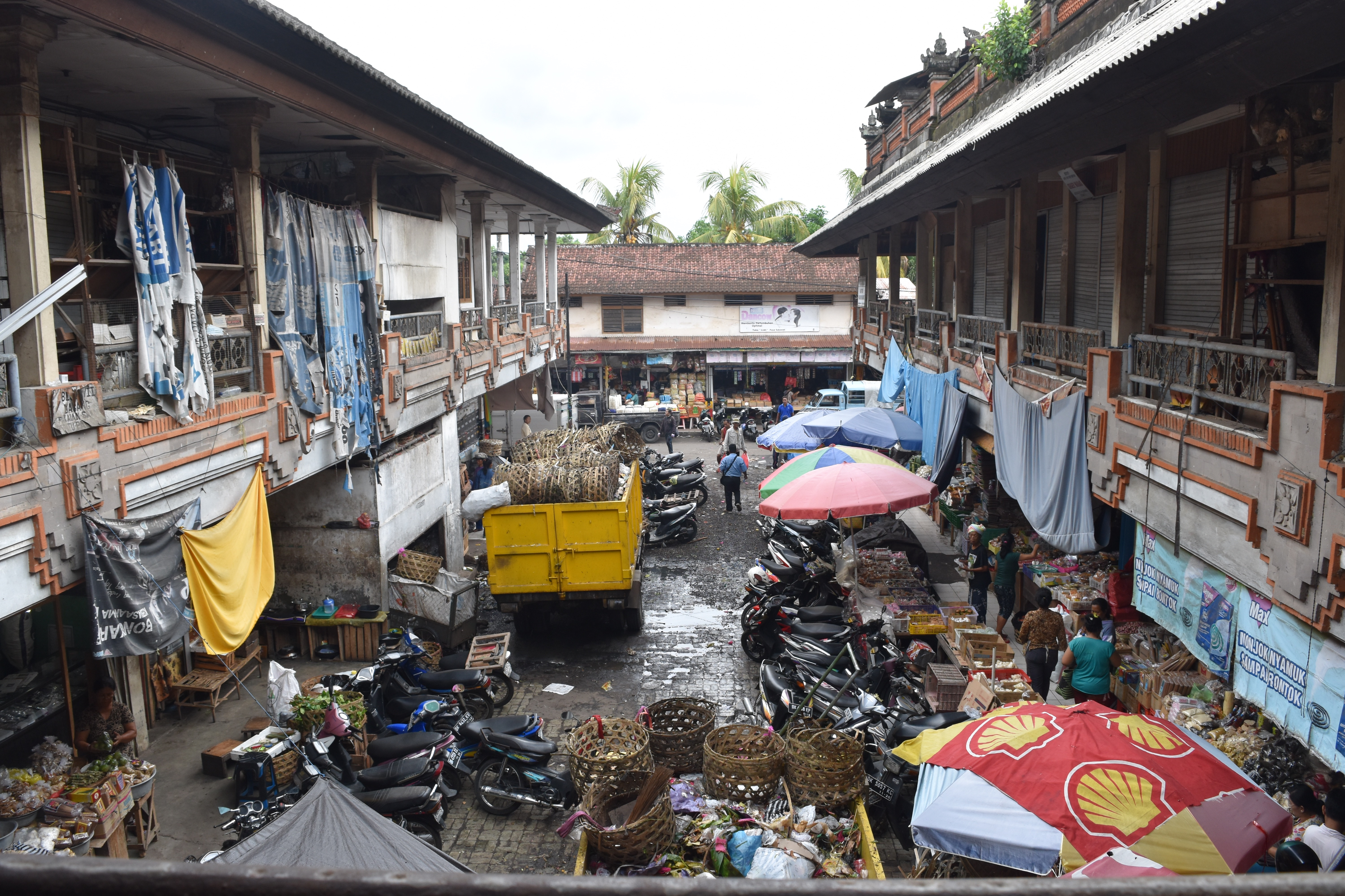 A market in Indonesia, awaiting promised renovations